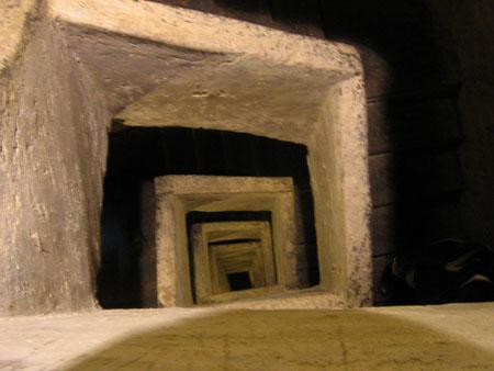 marijkebeek Trap Napoli sotterranea scala 2006-450